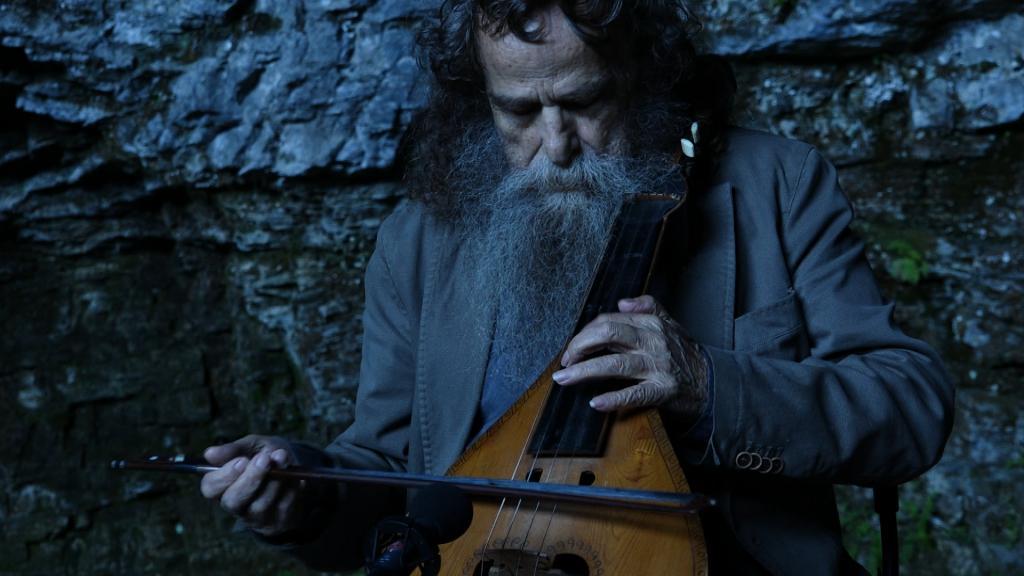 Der Lyra-Musiker Psarantonis ist für Bergmann ein Bindeglied zur minoischen Kultur.